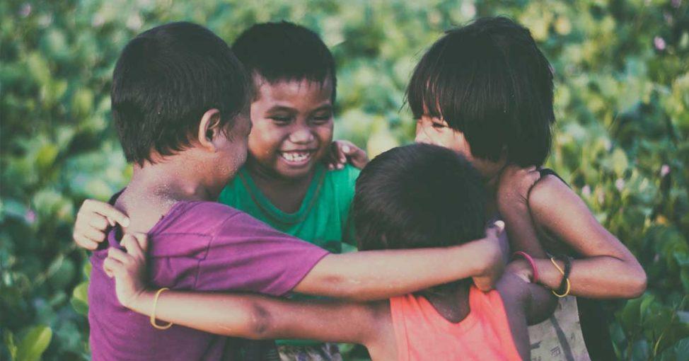 imagine fericirea la copii cu yes academy blog 1200x628