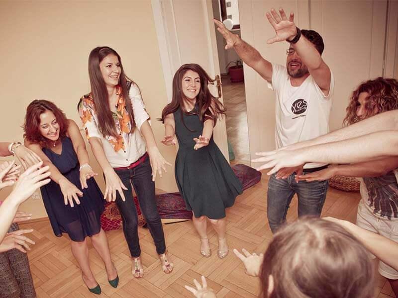 motivarea angajatilor prin muzica si dans