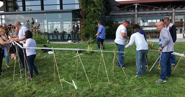 imagine team building fluyes outdoor