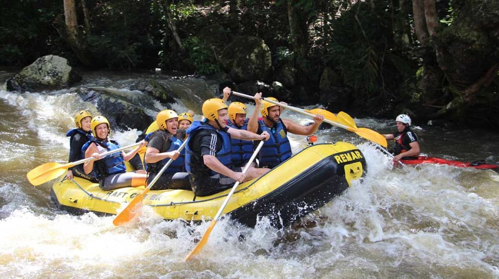 rafting la yes academy cu team building pe rau imagine 1200x628