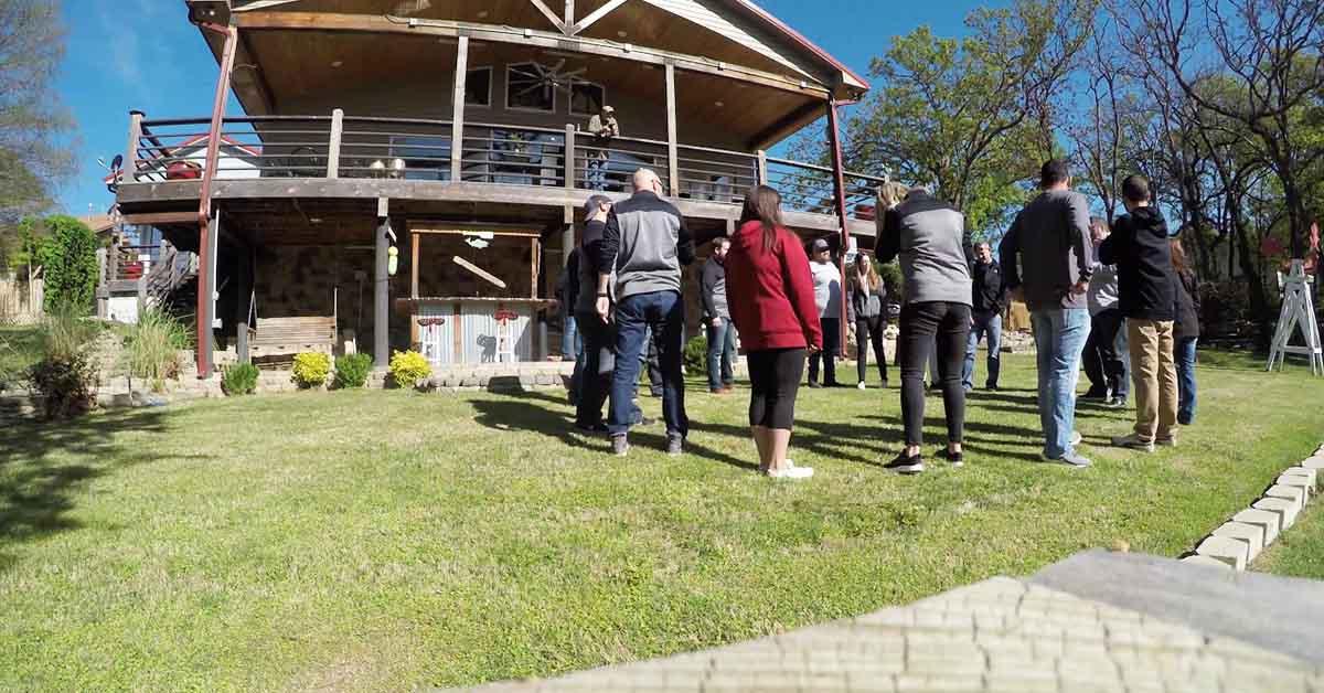 Swoosh activitate team building indoor si outdoor cu yes academy imagine 1200x628